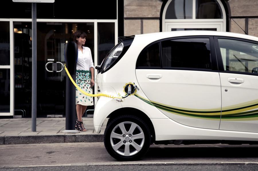 伦敦为实现零排放再次发力 将新增1500个充电桩
