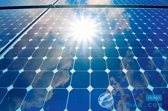 瑞典CIGS设备供应初创企业Midsummer近日宣称,公司研发出CIGS太阳能电池生产的高速工艺——在太阳能电池结构中使用溅射技术。日前,采用溅射技术,Midsummer将总面积225平方厘米太阳能电池的有效面积效率提升至15%。      Midsummer表示,针对CIGS太阳能电池的所有工艺流程使用溅射技术,不仅整个生产周期大幅缩短,还可不使用镉材料——有益于提升薄膜CIGS电池的转换效率。整个工艺流程完全干燥,并且全程真空,不过对洁净室